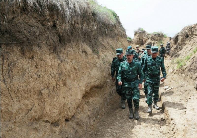 Ադրբեջանի պետական Սահմանապահ ծառայության ղեկավարը ստուգել է Հայաստանի հետ սահմանին գտնվող զորամասերը