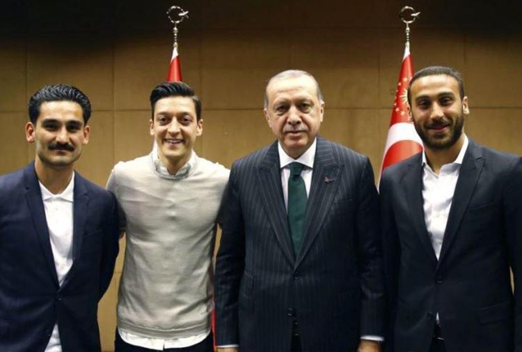 Գերմանիայում դատապարտել են Էրդողանի հանդիպումը թուրք հայտնի ֆուտբոլիստների հետ