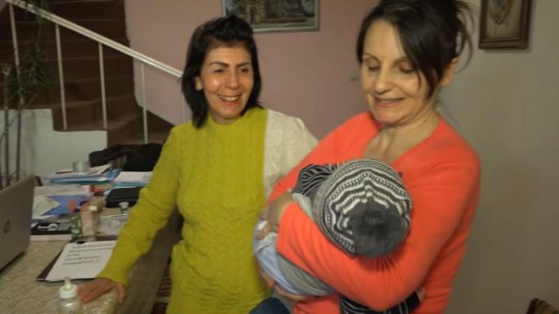 Սփյուռքահայ Սեֆերյանները հյուրընկալել են Հադրութից Երևան տեղափոխված Խաչատրյանների ընտանիքին (տեսանյութ)