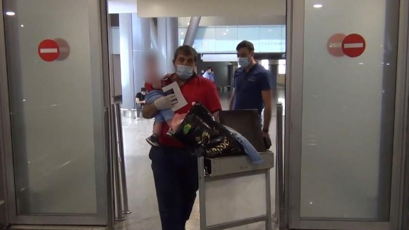 Առանց ծնողական խնամքի մնացած 1-ամյա փոքրիկը տեղափոխվեց Հայաստան