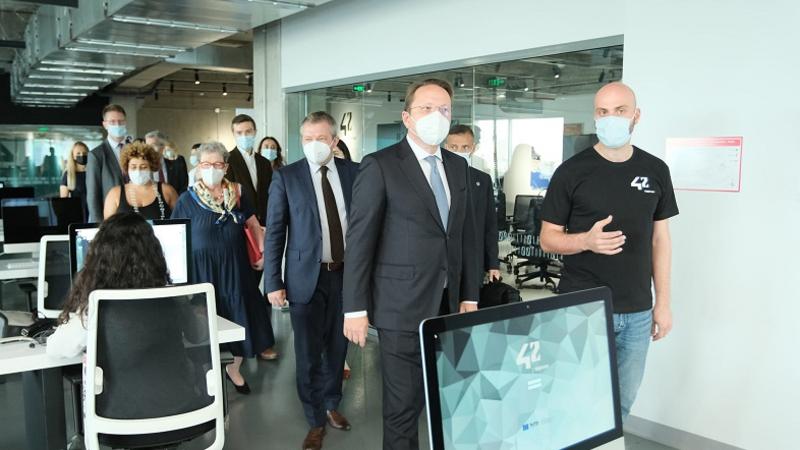 Եվրոպական հանձնաժողովի հարևանության և ընդլայնման հարցերով հանձնակատար Օլիվեր Վարհեին  այցելել է Թումո
