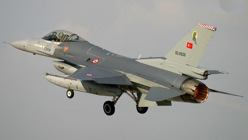 Թուրքական F-16 կործանիչները շարունակում են ուղեկցել Ադրբեջանի ԱԹՍ-ների գրոհներն Արցախի վրա․ Արծրուն Հովհաննիսյան