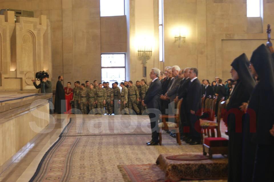 Նախագահը ներկա է գտնվել հայրենիքի և հայրենյաց պաշտպան զինվորների համար մատուցված միասնական աղոթքին (լուսանկարներ)