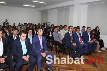 Կոտայքի մարզի 120 երիտասարդ վարչապետից ստացավ ՀՀԿ անդամատոմսեր