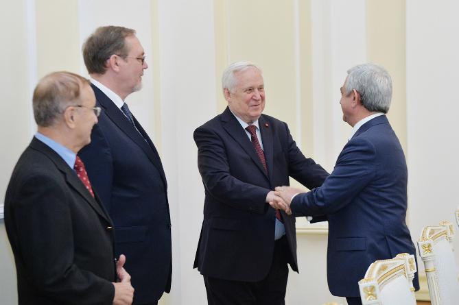 Саргсян придает важность роли парламентской дипломатии в развитии армяно-российских отношений