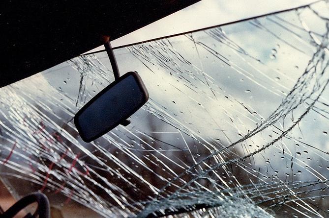 «ԶԻԼ» մակնիշի ավտոմեքենան դուրս է եկել երթևեկելի հատվածից և կախվել ձորակը