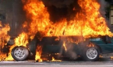 «Օպել Զաֆիրա»-ն դուրս է եկել երթևեկելի գոտուց, շրջվել և այրվել