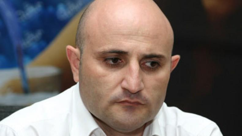 Մեխակ Ապրեսյանը հրաժարական է տվել