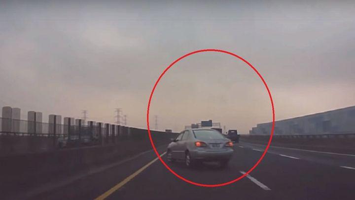 Վթարից վայրկյաններ առաջ վարորդներն անհավանական քայլ են անում (տեսանյութ)