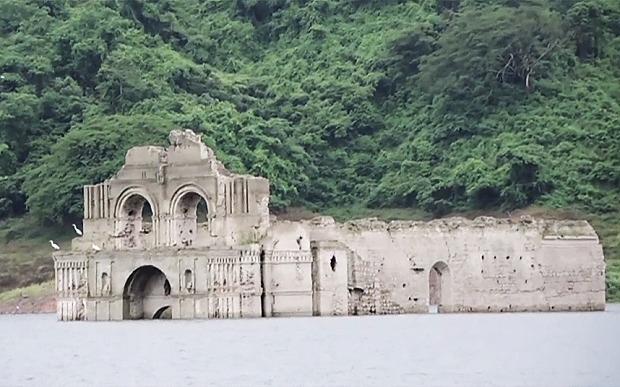 Մեքսիկայում 16-րդ դարի եկեղեցի է հայտնվել ջրի տակից. (լուսանկարներ, տեսանյութ)