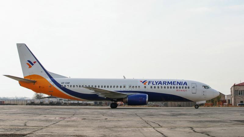 «Ֆլայ Արմենիա Էյրվեյզ»-ը Հայաստան ներմուծեց հերթական ինքնաթիռը՝ Boeing 737-400 (լուսանկարներ)