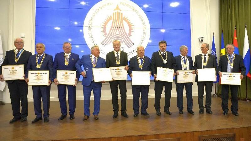 Ռադիկ Մարտիրոսյանին շնորհվել է Գիտությունների ակադեմիաների միջազգային ասոցիացիայի «ԳԱՄԱ ակադեմիկոս» հատուկ նշան