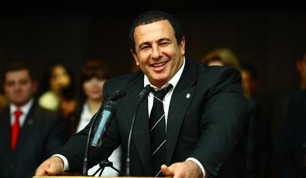 Տարբեր կուսակցություններից, տարբեր կառույցներից և աշխարհագրական տարբեր կենտրոններից Գագիկ Ծառուկյանին առաջարկել են դառնալ վարչապետի թեկնածու
