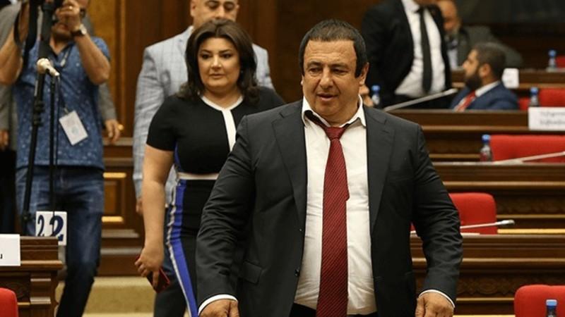 ԱԺ խորհուրդը Գագիկ Ծառուկյանին մանդատից զրկելու հարցի վերաբերյալ կրկին նիստ է հրավիրել