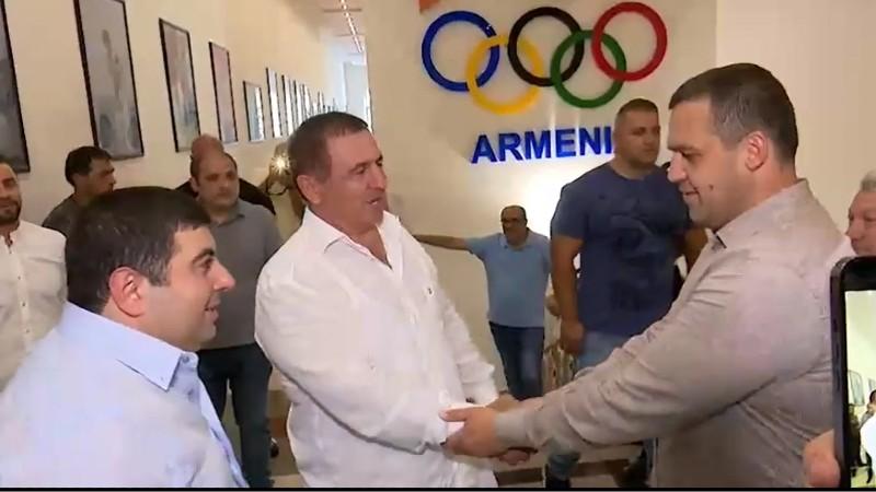 Գագիկ Ծառուկյանը հանդիպել է Բռնցքամարտի միջազգային ֆեդերացիայի նախագահ Ումար Կրեմլյովի հետ. (տեսանյութ)