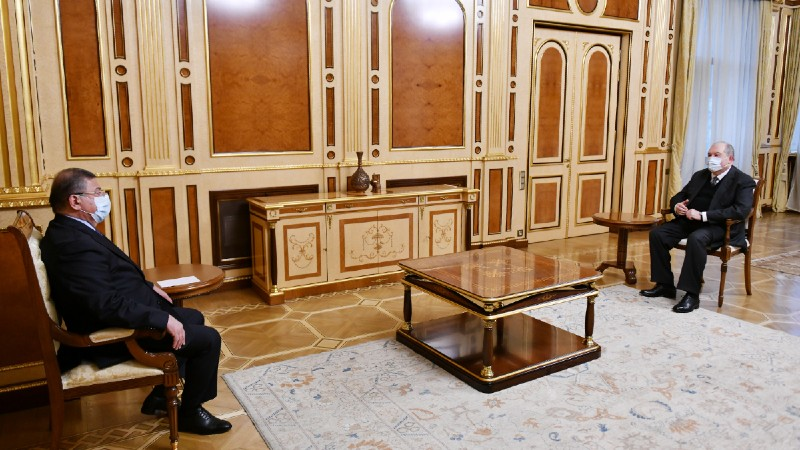 Արմեն Սարգսյանն ընդունել է ԲԴԽ անդամ Գագիկ Ջհանգիրյանին (տեսանյութ)