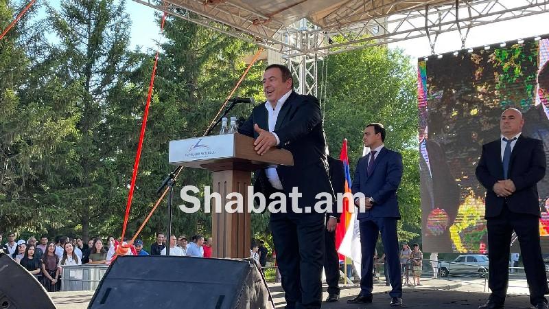 «Բարգավաճ Հայաստան» կուսակցության քարոզարշավը մեկնարկեց Աբովյան քաղաքից (ուղիղ)