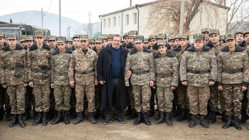 Բանակի ու զինվորի կողքին լինելը մեզանից յուրաքանչյուրի սրբազան պարտքն է․ Գագիկ Ծառուկյան