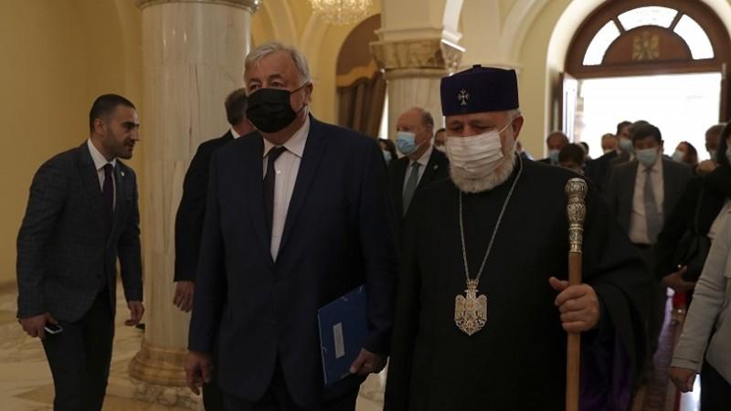 Ամենայն Հայոց Կաթողիկոսն ընդունել է Ֆրանսիայի Սենատի նախագահին