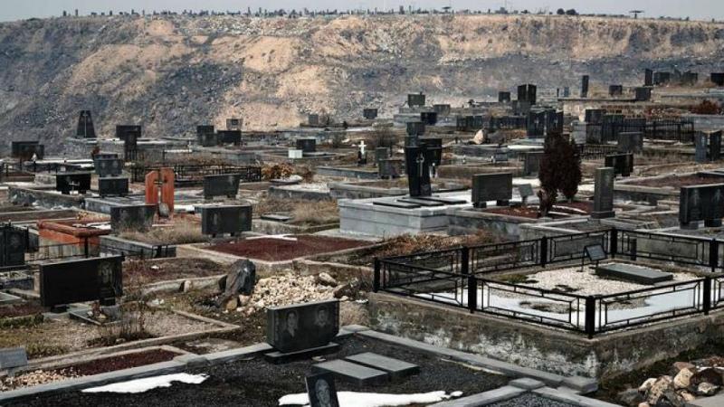 Ոստիկանները գերեզմաններից ծաղկեպսակ գողացողների են բռնել