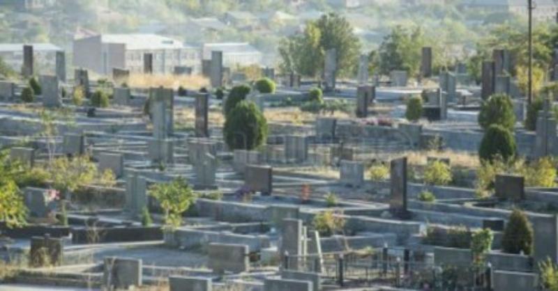 42-ամյա տղամարդը գերեզմանատնից գողացել է ծաղկեպսակի հենասյուն և փայտե հինգ զամբյուղ