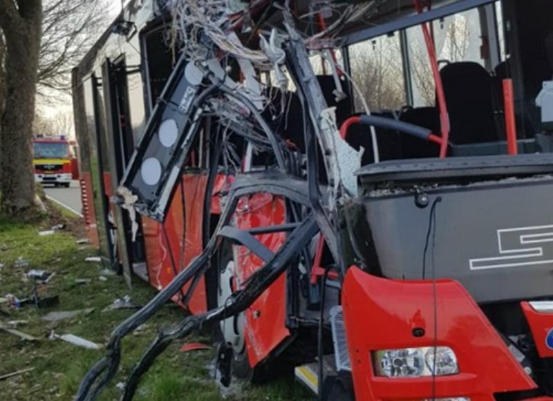 Գերմանիայում վթարի է ենթարկվել երեխաների տեղափոխող ավտոբուսը