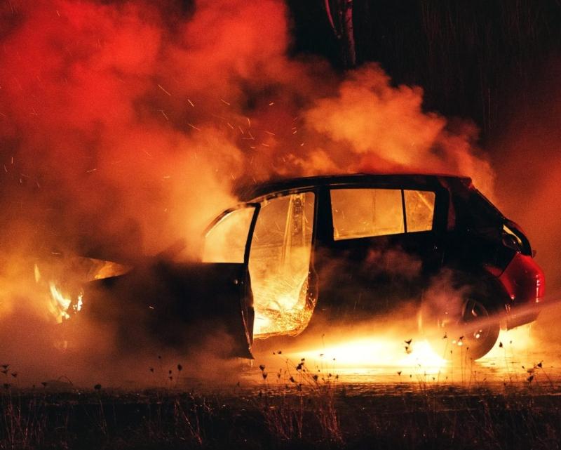 Հրդեհ՝ Գյումրիում. ավտոտնակում գտնվող Porsche Cayenne-ն ամբողջությամբ այրվել է