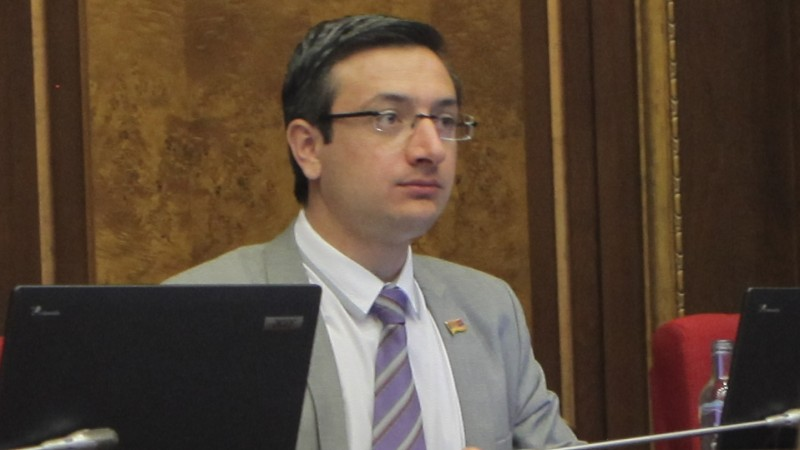 Լուսավոր Հայաստան կուսակցությունն իր ստեղծման օրվանից խոսում է քաղաքական դաշտում արժեքներով ու սկզբունքներով առաջնորդվելու մասին