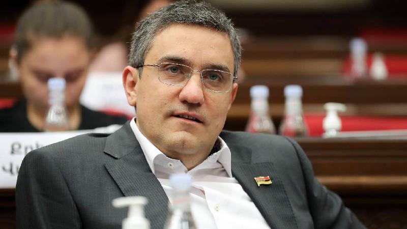 Արթուր Ղազինյանը 6-րդ անգամ չընտրվեց ԱԺ պաշտպանության և անվտանգության հարցերի հանձնաժողովի նախագահի տեղակալի պաշտոնում
