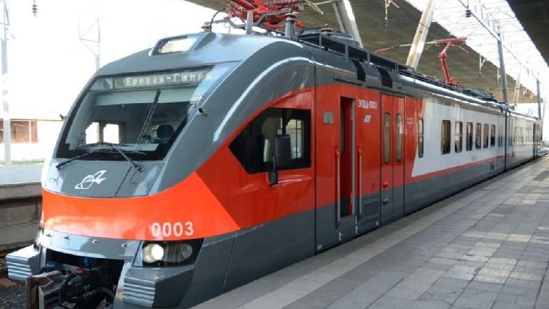 Վատ եղանակի պատճառով ուշացել են Հարավկովկասյան երկաթուղու գնացքները