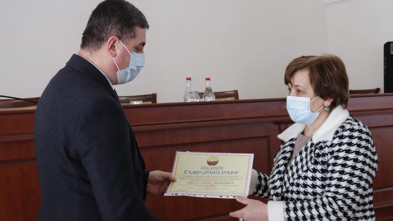 Գեղարքունիքի մարզպետը հանդիպել է մարզի բուժհաստատությունների տնօրենների հետ