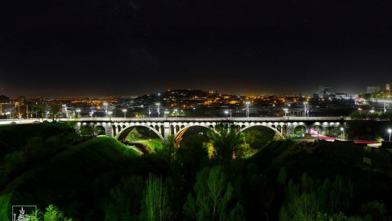 Հաղթանակ կամրջի գեղարվեստական լուսավորությունն ամբողջովին փոխարինվել է
