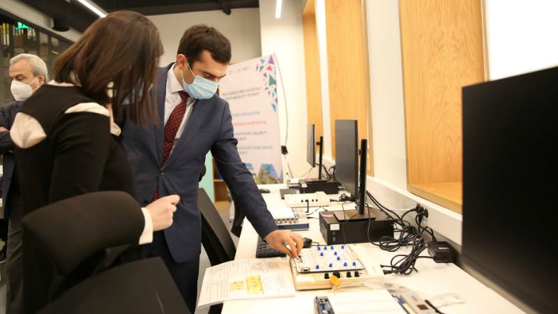 Հակոբ Արշակյանն այցելել է միջազգային տեխնոլոգիական նախագծերով զբաղվող գիտահետազոտական կենտրոն (լուսանկարներ)
