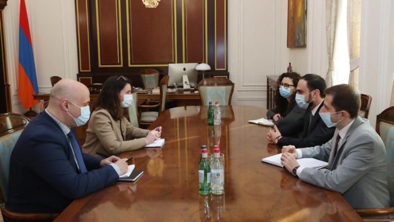Փոխվարչապետ Ավինյանն ընդունել է ՎԶԵԲ-ի Կովկասյան տարածաշրջանի տնօրենին