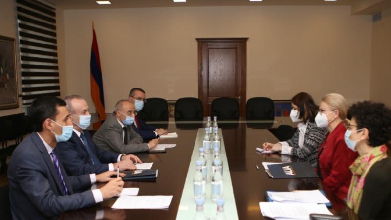 ԿԳՄՍ նախարարը կարևորել է Հայաստանում ամերիկյան համալսարանի գործունեությունը