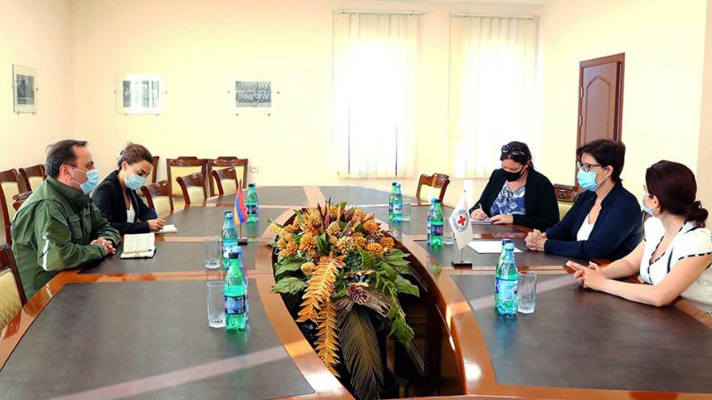 Հանդիպում ՊՆ-ում. քննարկվել են ադրբեջանական կողմում հայտնված հայկական բանակի սպա Գուրգեն Ալավերդյանի ճակատագրին առնչվող հարցեր