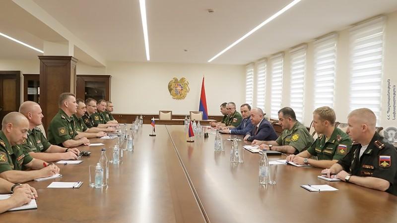 ՀՀ պաշտպանության նախարարն ընդունել է ՌԴ ՊՆ պատվիրակությանը