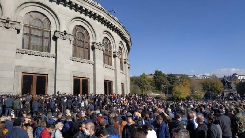 Ազատության հրապարակից 79 անձ բերվել է ոստիկանություն