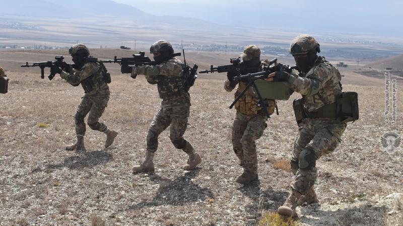 ԶՈւ հատուկ նշանակության ստորաբաժանումների զինծառայողներն իրականացրել են հարձակողական գործողություններ (լուսանկարներ)