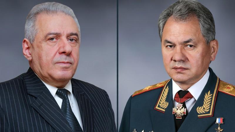 ՀՀ և ՌԴ պաշտպանության նախարարները հեռախոսազրույց են ունեցել․  քննարկել են ԼՂ օպերատիվ իրավիճակի, գերիների և պատանդների վերադարձի հարցերը
