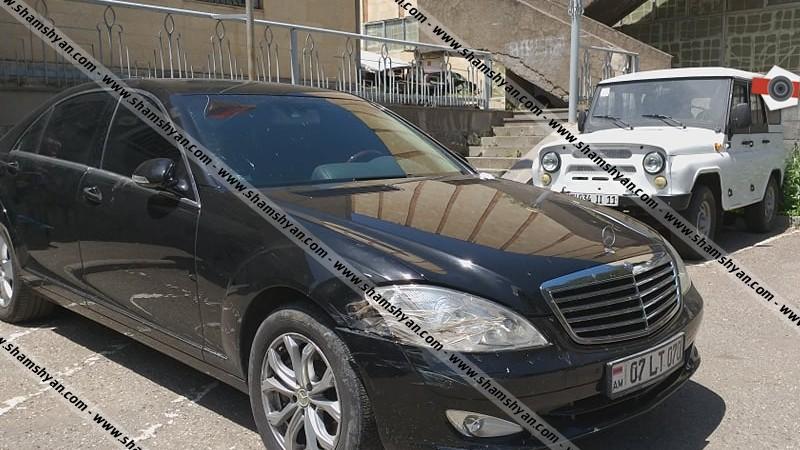 Ոստիկանական հատուկ օպերացիա՝ Դիլիջանում. Mercedes-ով բերման են ենթարկվել մի քանի երիտասարդներ, ավտոմեքենայում էլ հայտնաբերվել են ավտոմատներ