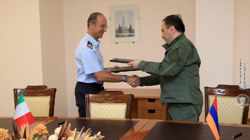 ՀՀ ՊՆ-ում ստորագրվել է 2021թ. Հայաստանի և Իտալիայի միջև երկկողմ ռազմական համագործակցության պլանը