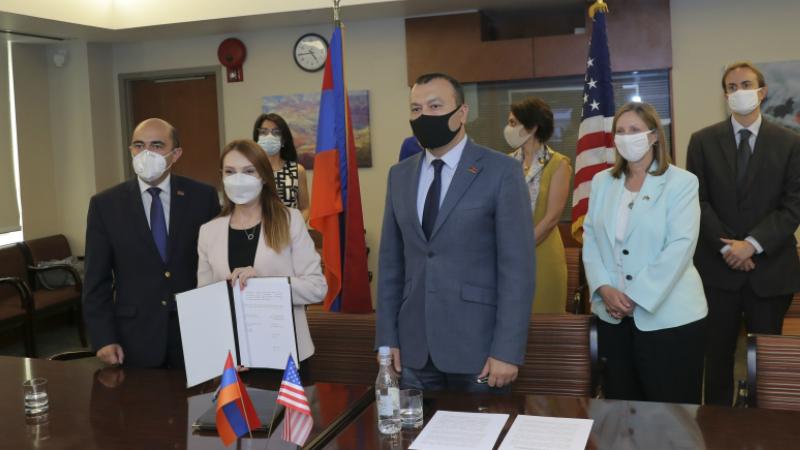 ՀՀ ԱԺ Հայաստան-ԱՄՆ բարեկամական խմբի և ԱՄՆ Ներկայացուցիչների պալատի Հայկական հարցերի հանձնախմբի միջև ստորագրվել է փոխըմբռնման հուշագիր
