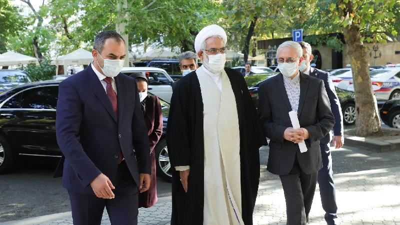 Հայաստանը և Իրանը հաստատել են, որ ահաբեկիչները, որոնք նկատվել են սահմաններին, ոչ մի դեպքում հանդուրժելի չեն. մանրամասներ՝ ՀՀ-ի և Իրանի գլխավոր դատախազների հանդիպումից