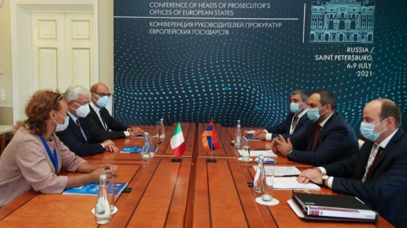 ՀՀ գլխավոր դատախազը հանդիպել է  Իտալիայի գլխավոր դատախազ Ջիովաննի Սալվիի հետ