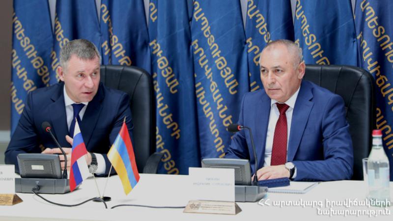ՀՀ և ՌԴ ԱԻ նախարարները քննարկել են Արցախում իրականացվող մարդասիրական ծրագրերը