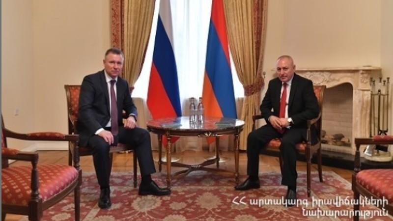 Հայաստանի և Ռուսաստանի ԱԻ նախարարները քննարկել են նոր իրողությունների պայմաններում փոխգործակցության հնարավորությունները