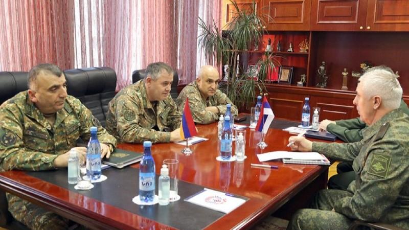 ՀՀ ԶՈւ գլխավոր շտաբի պետն ընդունել է ՌԴ խաղաղապահ զորախմբի հրամանատարին