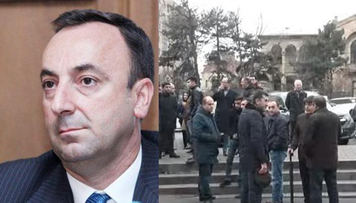 Հրայր Թովմասյանի նկատմամբ ընտրվել է ստորագրություն չբացակայելու մասին խափանման միջոցը