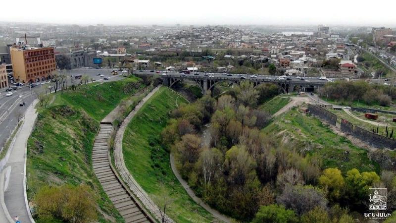 Փրկարարները հայտնաբերել են Հրազդանի կիրճն ընկած 46-ամյա քաղաքացուն, բարձրացրել և մոտեցրել շտապօգնության ավտոմեքենային